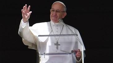 Familiarizarse con la Biblia para luchar contra el mal. El Papa en el Ángelus del 5 de marzo 2017