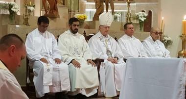 Lunes 17 de abril: Toma de posesión del Pbro Lucas Martinez como párroco en Santiago Apóstol.
