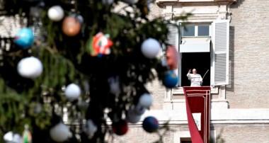 Papa: María es el único oasis siempre verde de la humanidad