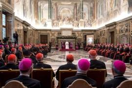 Papa Francisco: Mensaje de Navidad a la Curia Romana: No dejarse corromper por la traición ni ambición