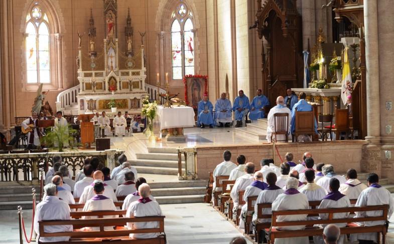 """Obispos y sacerdotes de la Región Buenos Aires se reunieron bajo el lema: """"Apacienta a mi Pueblo"""""""