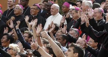 El Papa clausura el Sínodo: «en la cruz, Dios se hizo nuestro prójimo»